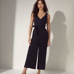 WILFRED NAVY V NECK ECOULEMENT JUMPSUIT 6 EUC